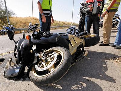 Consulta Gratuita en Español con Abogados de Accidentes de Moto en Azusa California