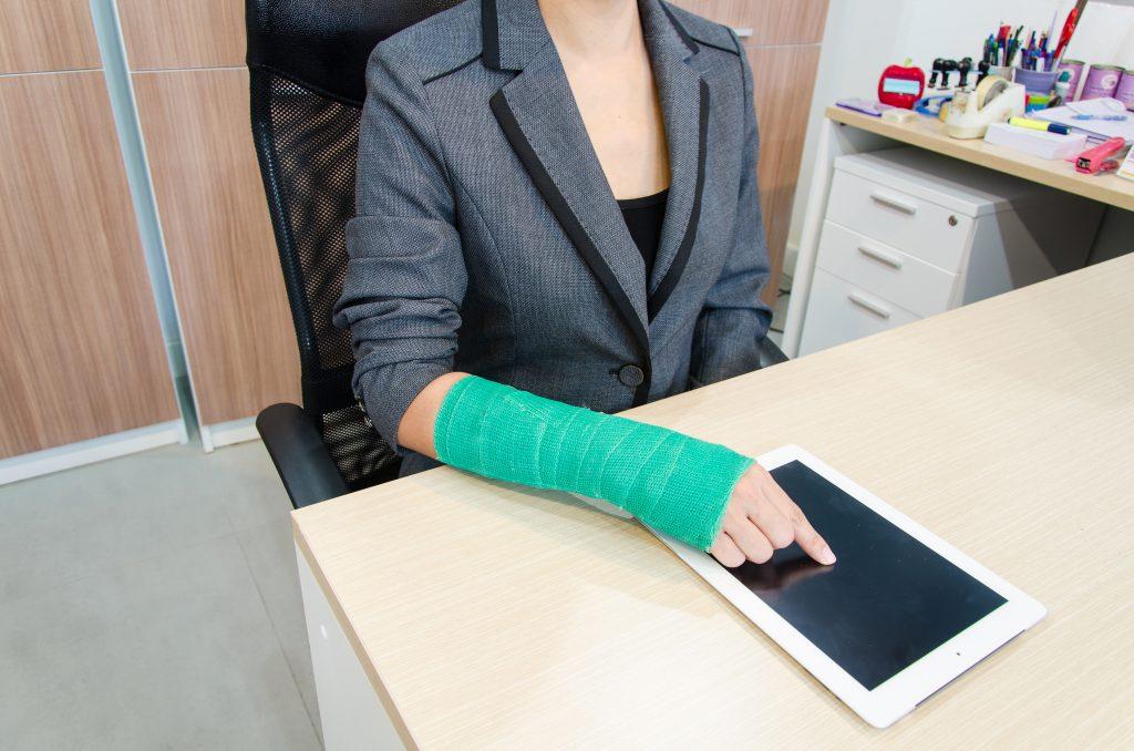 La Mejor Asesoría Legal de Abogados de Accidentes de Trabajo, Demanda de Derechos y Beneficios Cercas de Mí en Azusa California