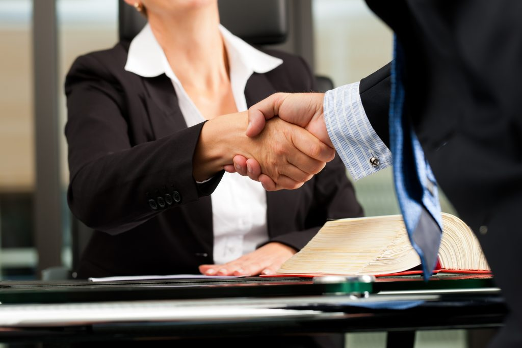 La Mejor Firma Legal de Abogados en Español de Acuerdos en Casos de Compensación Laboral, Mayor Compensación de Pago Adelantado en Azusa California